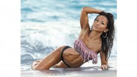 Get to Know IFBB Bikini Pro, Noy Alexander thumbnail