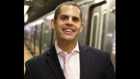 5 Pick-Up Tips from a Guy Who Has Gotten 500 Dates Riding the Subway thumbnail