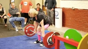 76-year-old Ann Buszard Deadlifts 200 lbs thumbnail