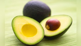5 Ways to Include Avocados in Your Diet thumbnail