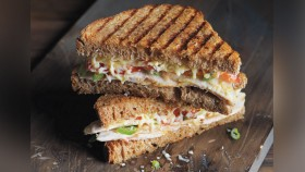 Recipe: How To Make Chicken Chutney Panini  thumbnail