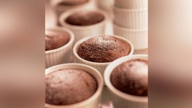 Mini Chocolate Protein Cakes thumbnail