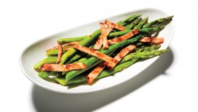 Recipe: How To Make Steamed Asparagus With Bacon thumbnail