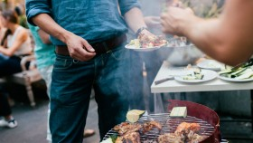 5 Diet-Friendly Grill Recipes for Summer Barbecues thumbnail