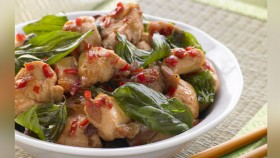Thai Holy Basil Chicken thumbnail