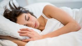 Miniatura durmiendo mujer
