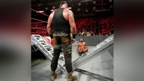 Braun Strowman faces Bobby Roode on WWE Raw on 4 June 2018 thumbnail