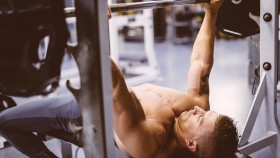 10 Bench Press Mistakes That Are Killing Your Progress thumbnail