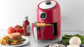 A picture of the Dash air fryer by StoreBound. thumbnail