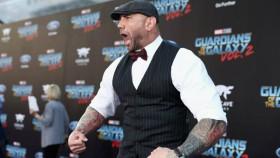 Dave Bautista Apariencia alfombra roja para Guardianes de la Galaxia 2 thumbnail