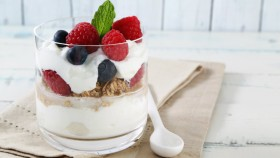 Greek Yogurt Parfait thumbnail
