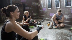 Group-Eating-Meal-Gym-728761413 thumbnail