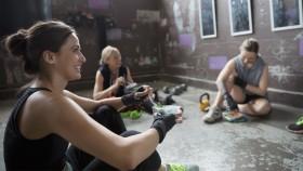 Group-Eating-Meal-Gym-728761413 thumbnail