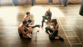 Group-Eating-Salad-Gym thumbnail