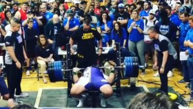 This High-Schooler Crush a 525-Pound Bench Press thumbnail