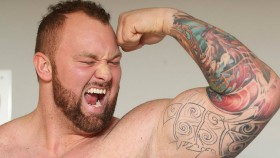 Thor Bjornsson Flexes Bicep thumbnail