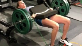 Supermodel Kate Upton Crushes the Hip Thrust and More thumbnail