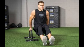 Football Standout-Turned-Bachelor Star Colton Underwood on His Fitness Transformation thumbnail