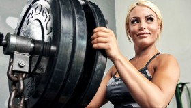 Mandy-Rose-WWE-Barbell-Placing-Plates thumbnail