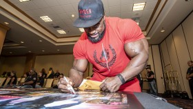 Brandon Curry at the 2019 Mr. Olympia athlete's meeting thumbnail
