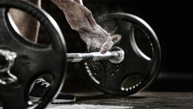 Prepping-Barbell-Lift-Chaulky-Hands. thumbnail