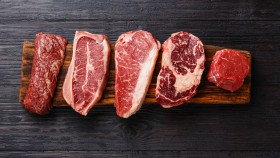 There's no benefit to limiting red meat intake, a new study says thumbnail