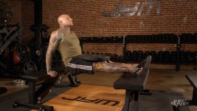 Raw 2.0 with Dr. Jim Stoppani: Bench Dip Video Thumbnail