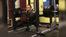 Watch Amanda Lawrence Hit a 585-Pound Squat PR thumbnail