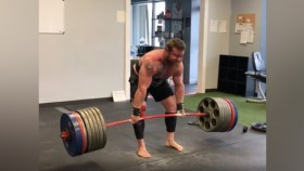 Andrew Hause deadlifting 715 pounds for five reps thumbnail