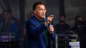 Arnold Schwarzenegger Speaks at a Summit on Sustainability thumbnail