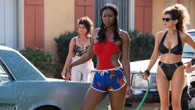7 Reasons Sydelle Noel Rocks the Screen in Netflix's 'GLOW' thumbnail