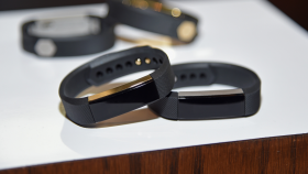 fitness-tracker-fitbit thumbnail