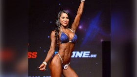 IFBB Pro League Bikini Competitor Jennifer Ronzitti's Shoulder Workout thumbnail