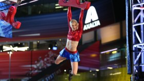 Jessie Graff on 'American Ninja Warrior' thumbnail