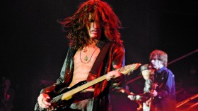 Joe Perry in concert thumbnail