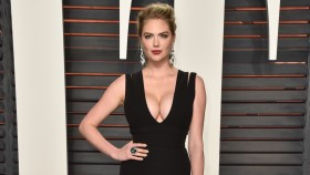 Kate Upton Attends the 2016 Vanity Fair Oscar Party thumbnail