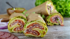 Low-Carb Wrap Sandwich for Lunch thumbnail