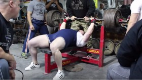 Youngest Man to Bench Press 600 lbs Raw and How He Did It thumbnail