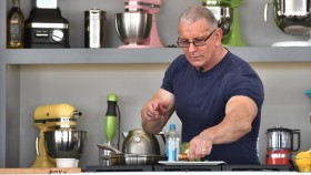 Robert Irvine Cooking thumbnail