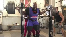 Throwback Video: Ronnie Coleman's Famous 800-Pound Squat thumbnail