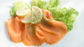 Smoked Salmon Cucumber Lettuce Wraps thumbnail