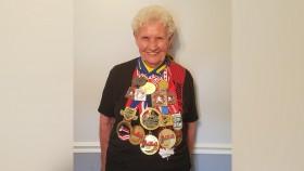 Miniatura de Powerlifter de 82 años de Shirley Webb