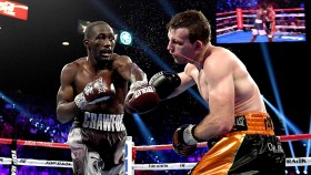 Terence Crawford lands a punch on Jeff Horn thumbnail