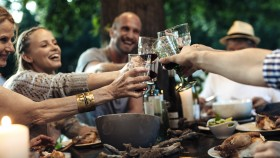 The Dieters Guide to Wine for the Holidays thumbnail