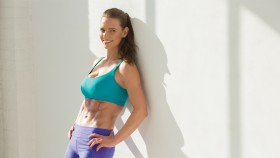 Woman With Abs In A Sportsbra  thumbnail