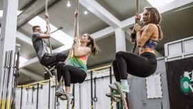 Miniatura de la cuerda de escalada para mujeres