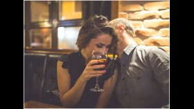 Couple Drinking Cocktails thumbnail