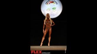Larissa Reis - Womens Figure - Sheru Classic 2011 Gallery Thumbnail