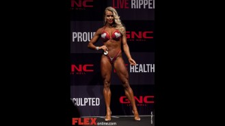 Larissa Reis - Women's Figure - 2012 Australian Pro Grand Prix Gallery Thumbnail