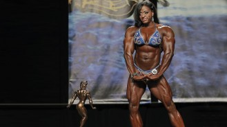Chicago Pro Women's Bodybuilding Champ Monique Jones Video Thumbnail